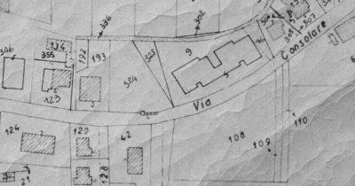 La fontana di Riatti (il rettangolino al centro dell'immagine) nell'ultima testimonianza grafica della sua presenza in via Consolare. Stralcio di mappa del Nuovo Catasto Terreni del XX secolo.