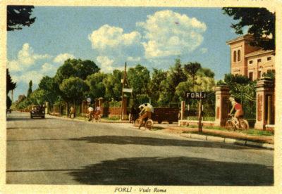 Viale Roma in una immagine degli anni '60. Cartolina. Raccolta privata.